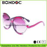 [هيغقوليتي] نظّارات شمس بلاستيكيّة لأنّ نساء