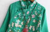 Grünes Frauen `S chinesische Art-Leinenkleid
