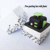 Côtés du cube 12 en personne remuante pour des jouets de magie de décompression