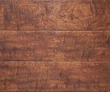 Lamellenförmig angeordneter Bodenbelag Kn2371