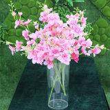 Beau vase acrylique à décoration de mariage