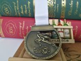 A medalha feita sob encomenda da maratona da fonte que compete medalha Running da medalha ostenta a medalha