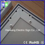 Elektrische Teken van het LEIDENE Vakje van de Stof het Lichte met de Vertoning van de Omlijsting van het Aluminium in Luchthaven