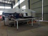 CNC van de Hoge Prestaties van de Fabrikant van China de Prijs van de Machine van het Ponsen voor Verkoop