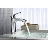 Torneira e Faucet montados de água do misturador da bacia do banheiro plataforma de bronze sanitária