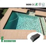 Decking composto plástico de madeira do revestimento ao ar livre de WPC para a piscina
