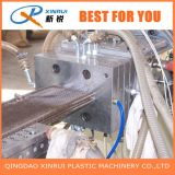 Extrudeuse composée en plastique en bois de plancher du PE WPC faisant la machine