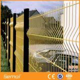VフォールドのPVCによって塗られる溶接された金網の塀