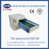 중국에 있는 기계를 채우는 작은 플라스틱 장난감
