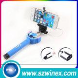 Bâtons pliables de Monopod Selfie de mini téléphone mobile en gros avec le câble