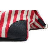 Diseños de las rayas de los bolsos para las colecciones de los hombres y de las mujeres de bolsos