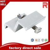 Extrusion en aluminium/en aluminium Proifle pour les brides solaires de milieu d'extrémité de bâti
