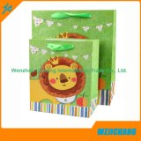 Uso del regalo y bolsa de papel material de la Navidad del papel