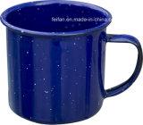 De blauwe Kleur van de hemel met de de Gestippelde Mok/Kop van de Koffie van het Email van het Decor