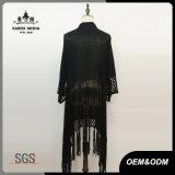 Cardigan tricoté par frange de noir de mode de femmes