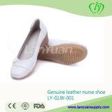 流行の本革の看護婦の靴