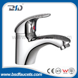 An der Wand befestigtes Brass Chrome Bath Shower Faucet mit Single Handle