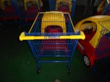 Het Karretje van de Jonge geitjes van het winkelcomplex met de Auto van het Stuk speelgoed van Kinderen