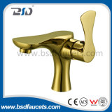 新しく功妙なデザイン真鍮の単一のレバーの金によってめっきされる洗面器のコック