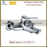 Long mélangeur de l'eau de bassin de cuisine de bec d'articles sanitaires