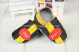 Картина козочки: Кожаный ботинки младенца