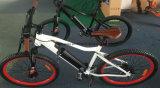 Potere più la bici elettrica della montagna con la batteria dello Litio-Ione - bianco di Yiso