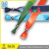 Wristband del raso di stampa del Silkscreen per il regalo di promozione