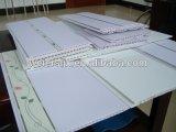 Cadena de producción de la tarjeta del techo del PVC con la anchura 600m m