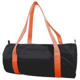 旅行昇進のショッピングはギフトのための袋を遊ばす