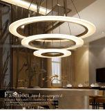 Lámpara pendiente cristalina redonda de la suposición tres para el proyecto del hotel