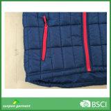 Напольное людей голубое отсутствие куртки прокладки зимы клобука