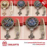 Полый-вне серебряный малый косметический карманный комплект зеркала и гребня