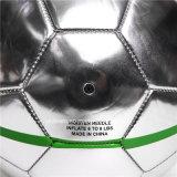 Серебряный шарик футбола подписи зеркала для промотирования