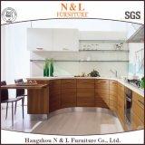 現代様式のホーム家具MDFの木製のベニヤの台所家具