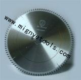 A circular do Tct viu as lâminas para a madeira, metal, alumínio, plástico