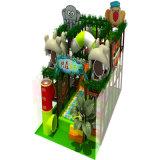 Campo de jogos interno do castelo com desenhos animados do gelado