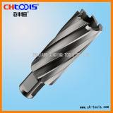 セットされるHSSの穴あけ工具(DNHX)