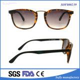 Gafas de sol redondas de encargo de las gafas de sol retras del puente del metal de Europa