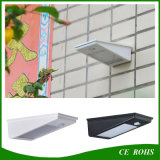 Lámpara de calle ligera solar al aire libre montada en la pared accionada solar del sensor de movimiento de PIR LED