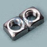 Noix carrées (Cl M5-M16. 5 DIN557)
