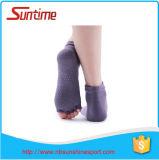 Qualité élevée de coton pour des chaussettes de yoga de dames, non chaussettes de yoga de glissade