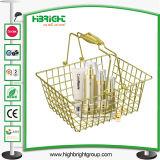 Supermarkt-Kosmetik speichert goldenen Draht-Einkaufskorb