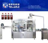 炭酸水・の生産ラインのびんのソーダ充填機