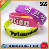 Las pulseras de identificación de silicona de promoción con Relieve y color Lleno (TH-band041)