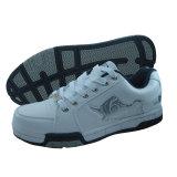 Les taqueuses des hommes neufs, chaussures de sport de planche à roulettes