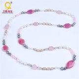 熱い多色刷りのビーズの真珠の石はネックレスに玉を付ける