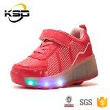 LEIDENE van de Tennisschoenen van de Jonge geitjes van de fabriek Schoenen van de Lichte de Opvlammende Rolschaats van Schoenen met Lichten