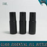 schwarze Glasrolle 5ml auf Flasche mit Edelstahl-Rollen-Kugel-Flasche für wesentliches Öl