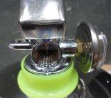 水泡のステンレス製の消火器弁