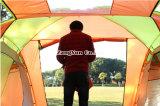 Zwei Räume ein Hall-im Freienzelt, kampierendes Zelt der Personen-4-6